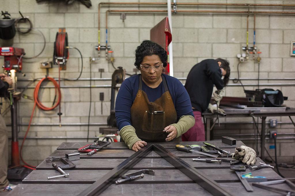 Beatriz Cortez working in the studio